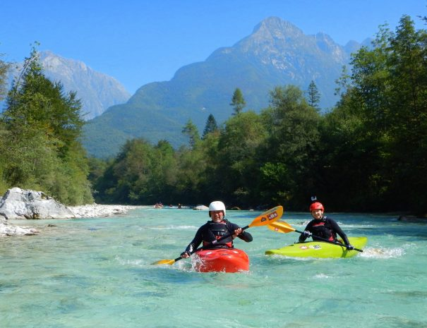 two kayakers below mount svinjak